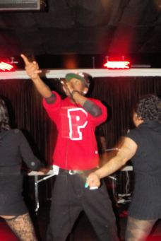 """Paris Beuller performing """"Shawty Got A Rump"""" at The Chi City Record Pool Showcase"""